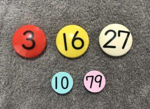 すうじ盤30とすうじ盤100のパーツの大きさを比較